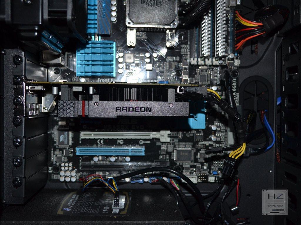 AMD Radeon R7 260X -015