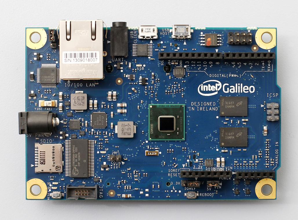 Intel_Galileo_board_01