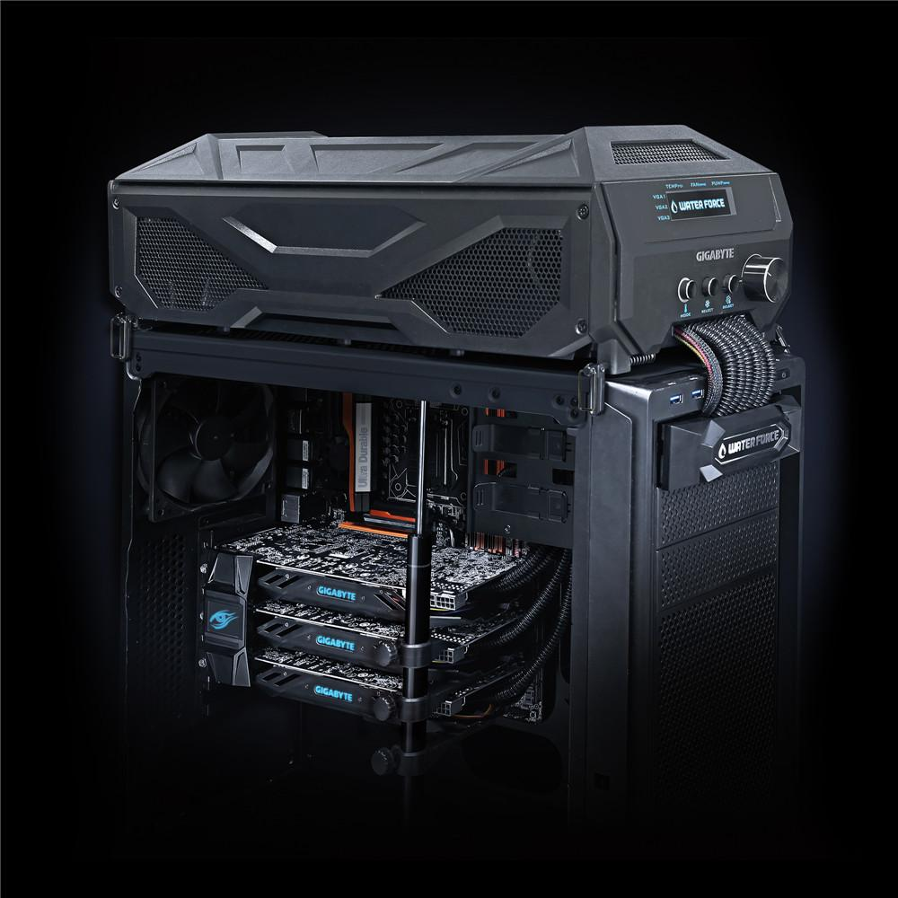 Gigabyte  GeForce GTX 980 WaterForce Tri-SLI montado