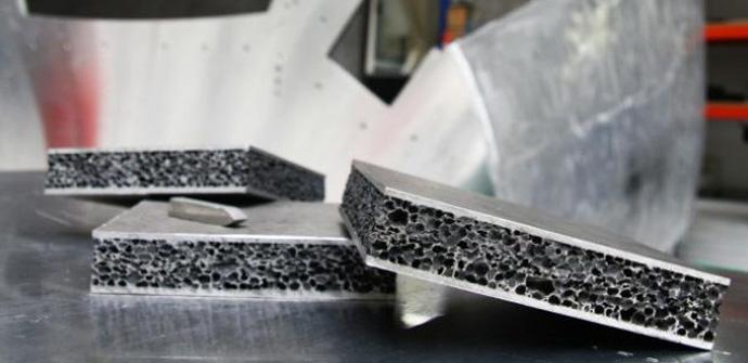 Espuma de aluminio