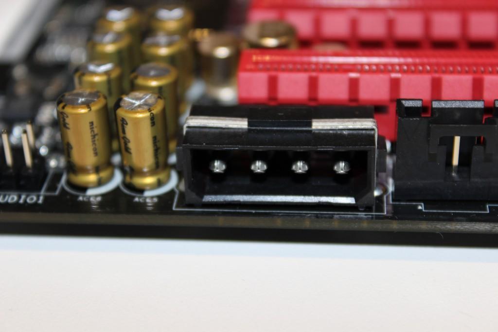 CONECTOR AUX PCI-E