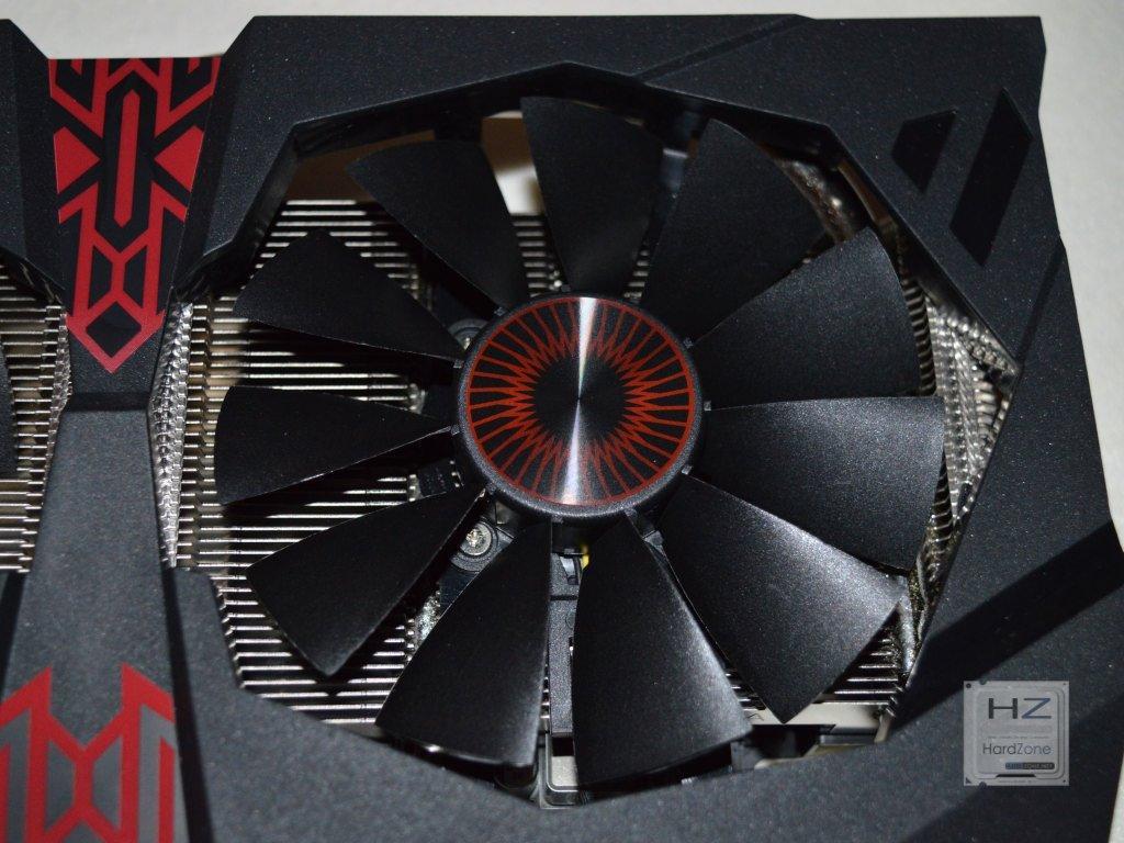 Asus Radeon R9 380X STRIX -013