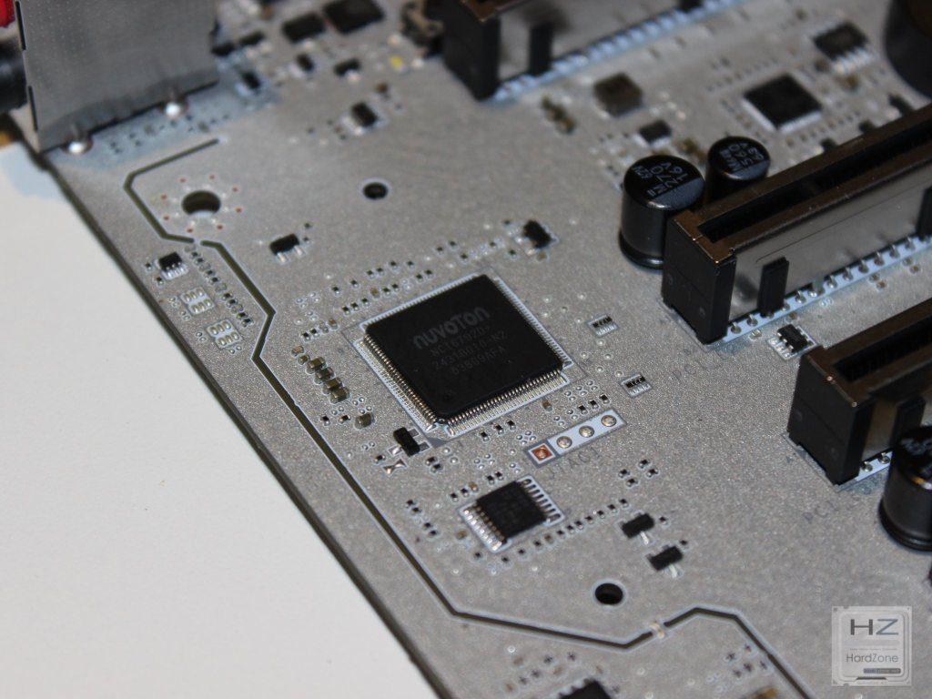 X99A Titanium032