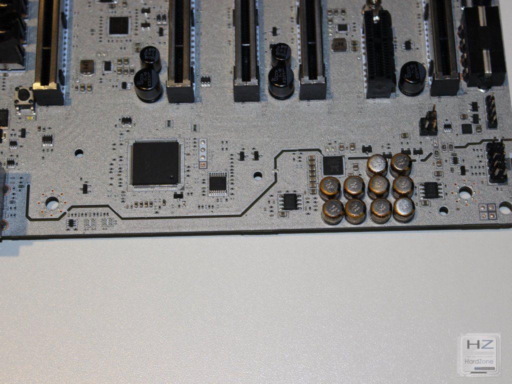 X99A Titanium076