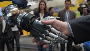 La escasez de mano de obra en Japón les llevará a utilizar robots