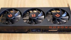 Éste es el prototipo de AMD RX Vega 56 con disipador de triple ventilador