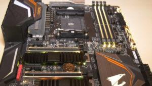 Filtradas las primeras imágenes de una placa base AMD con chipset X470