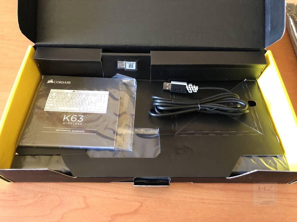 Corsair K63 - Caja componentes