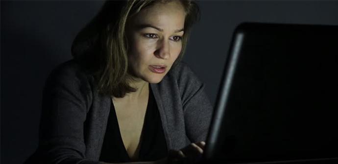 luz azul monitor