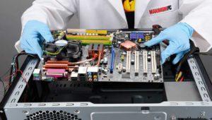 ¿Dónde es mejor montar los componentes, dentro o fuera de la caja?