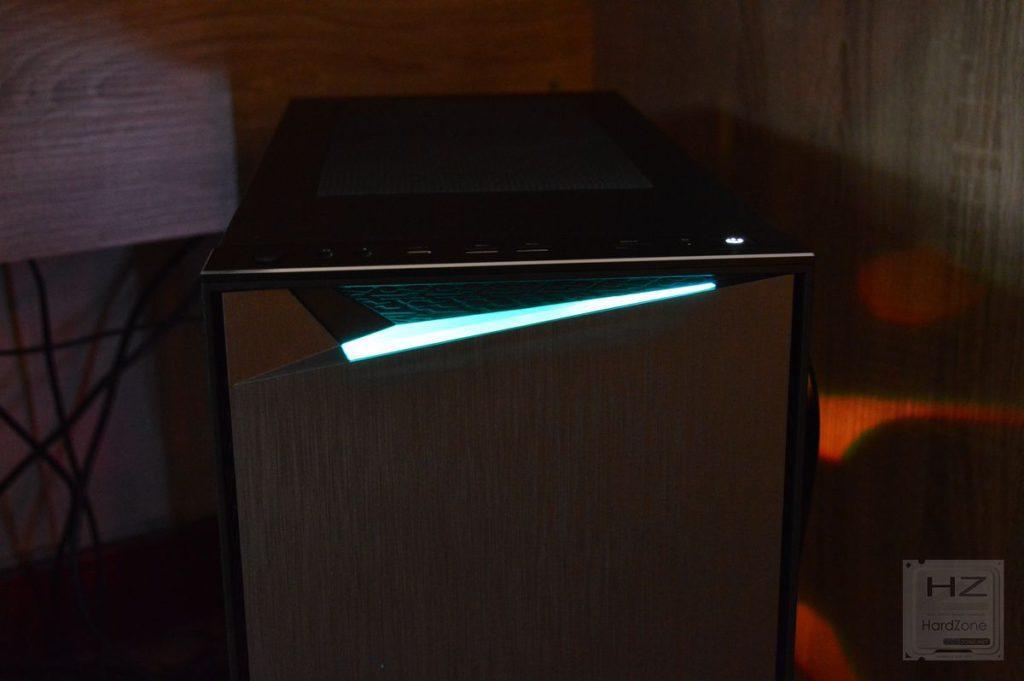 Aorus AC300W - LEDS 4