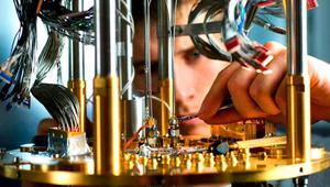 Así son las obleas de los procesadores cuánticos que ya fabrica Intel