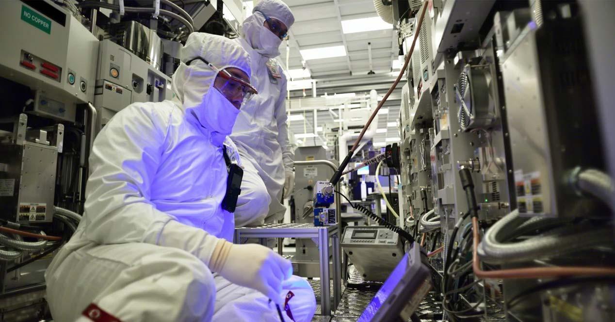 Ver noticia 'Filtrada la hoja de ruta de Intel para los próximos dos años: 10 nm con Icelake a finales de 2019'