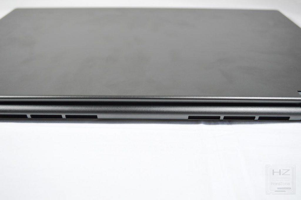 Lenovo Yoga 730 - Lateral 1