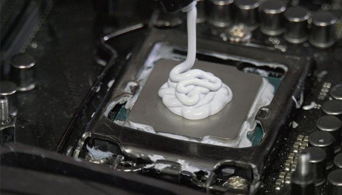 Pasta térmica CPU demasiada
