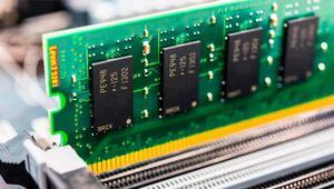 El precio de la memoria RAM bajará en 2019 por exceso de producción