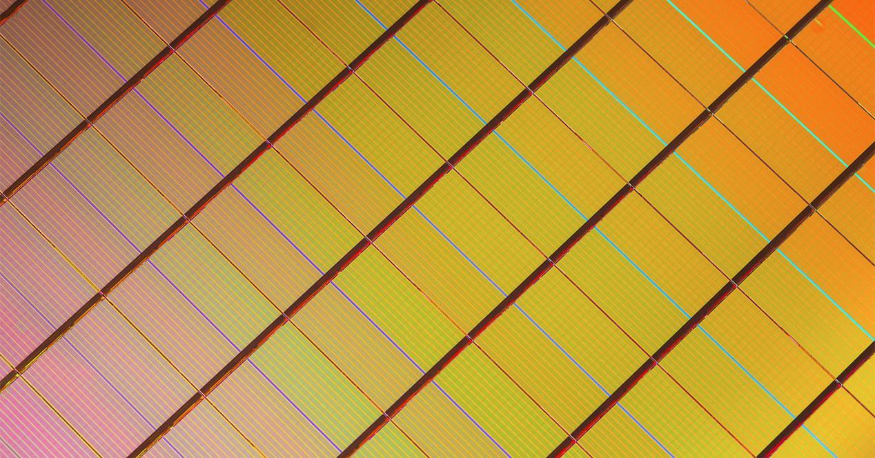 Ver noticia 'Las memorias QLC NAND para SSD se retrasarán por su baja fiabilidad'