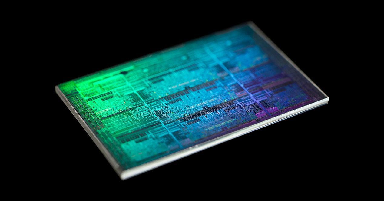 Ver noticia 'Intel Comet Lake: otra vez 14 nm, pero con 10 núcleos para combatir a AMD Zen 2'