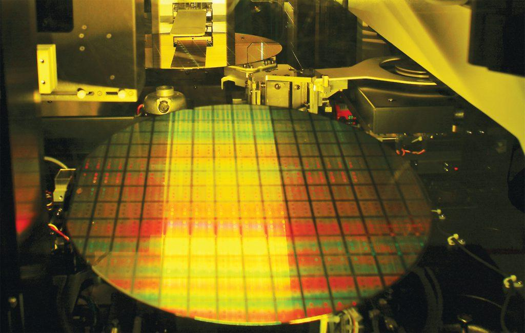 tsmc_wafer_semiconductor_chip_300mm_fab_11