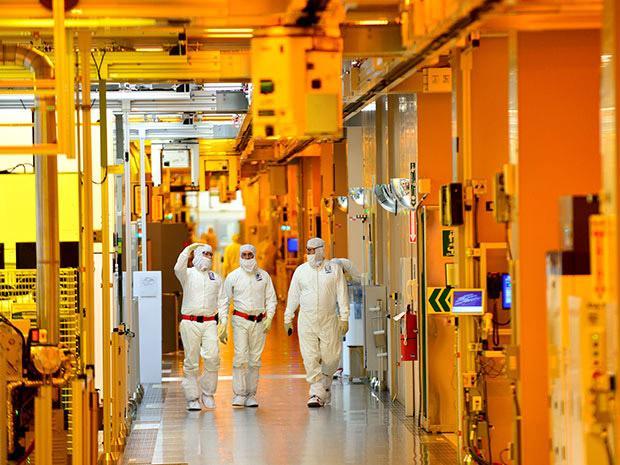 Intel-Fab-02