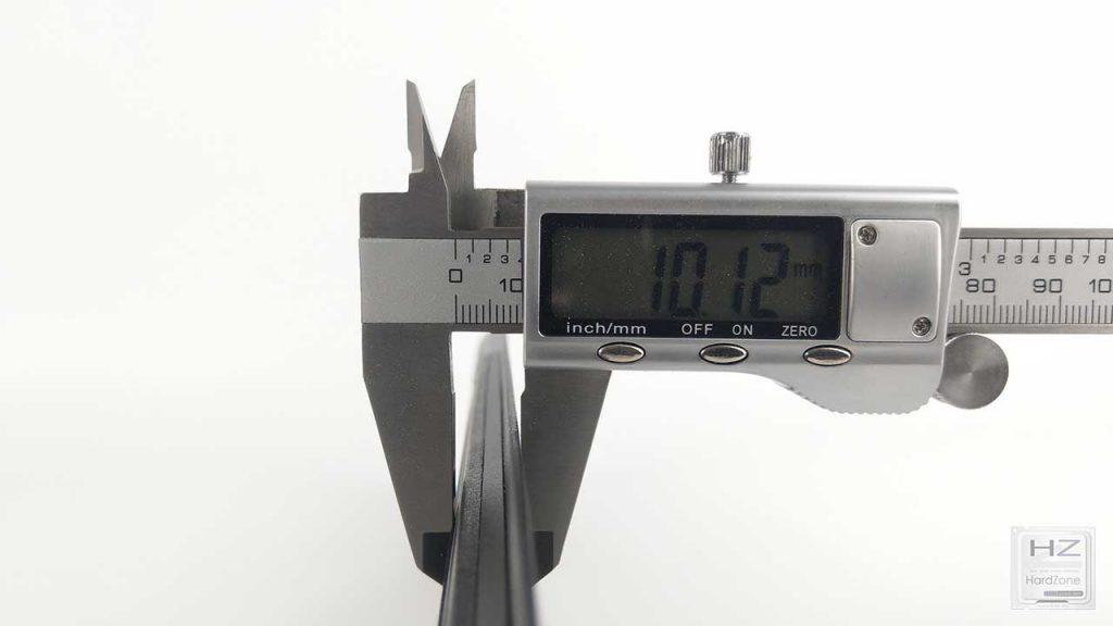 Roccat Vulcan 120 AIMO (13)