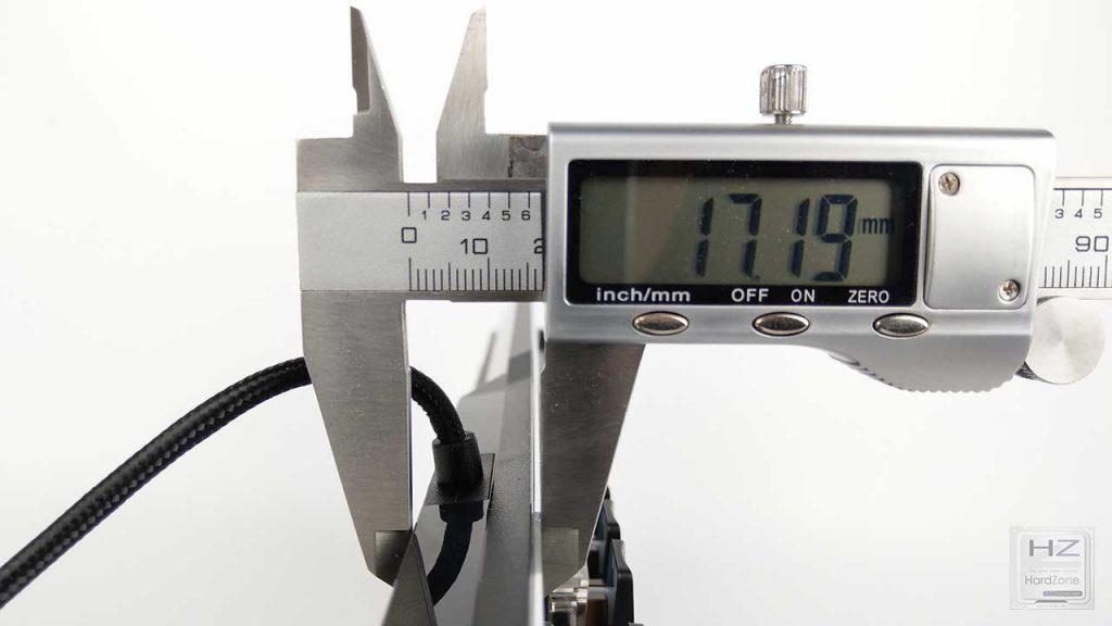 Roccat Vulcan 120 AIMO (37)
