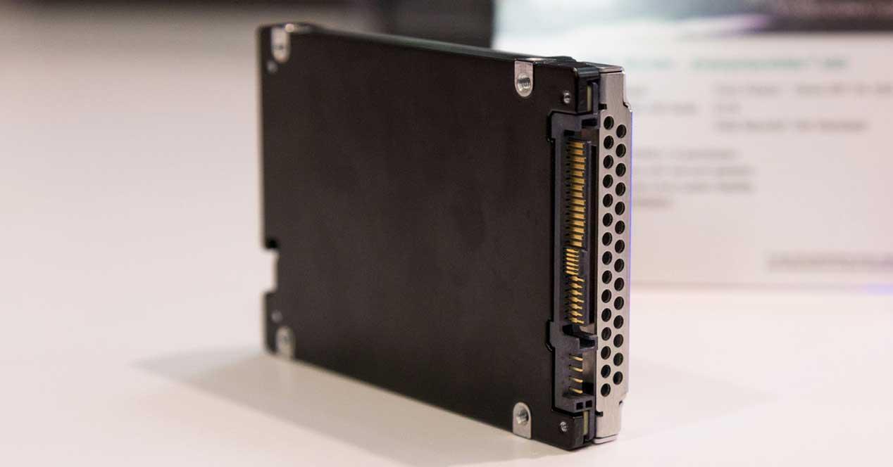 Toshiba-CM6-Enterprise
