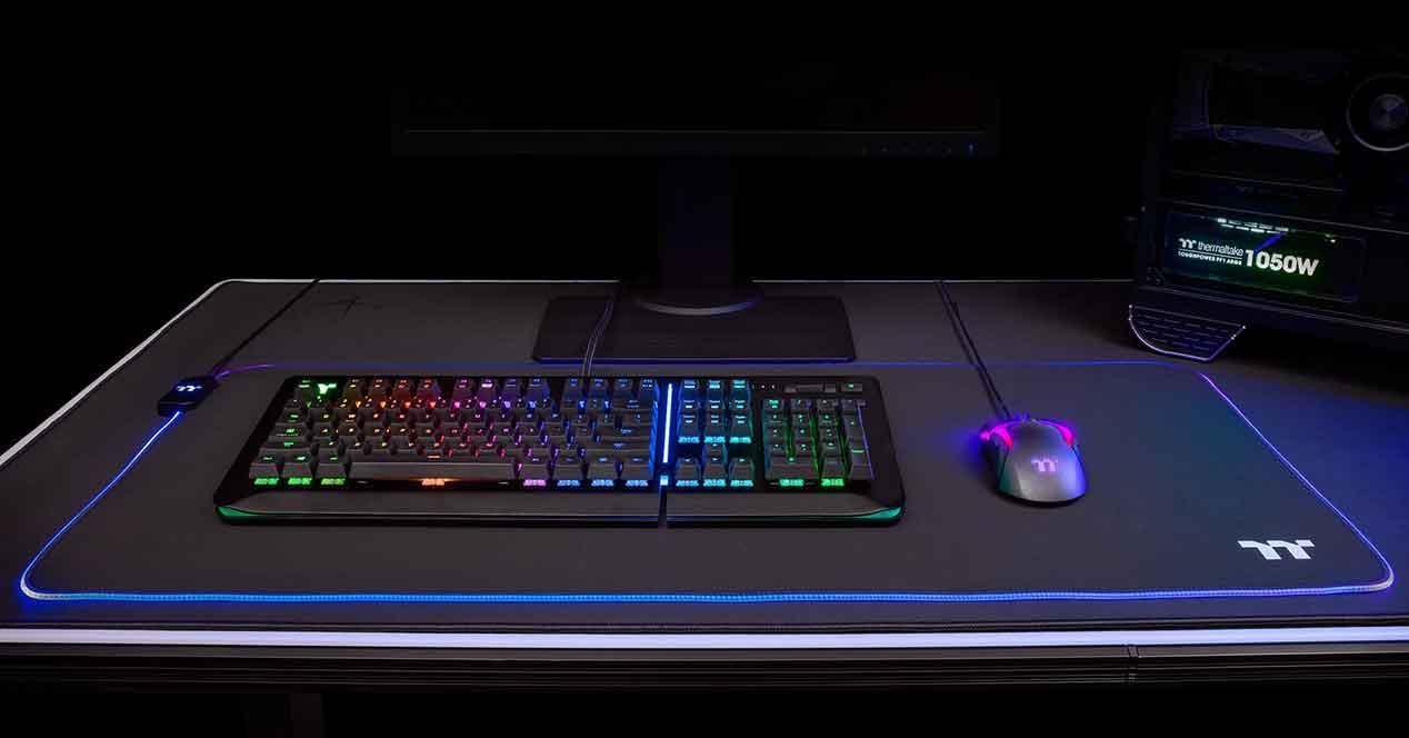Thermaltake-Level-20-RGB-Gaming-4