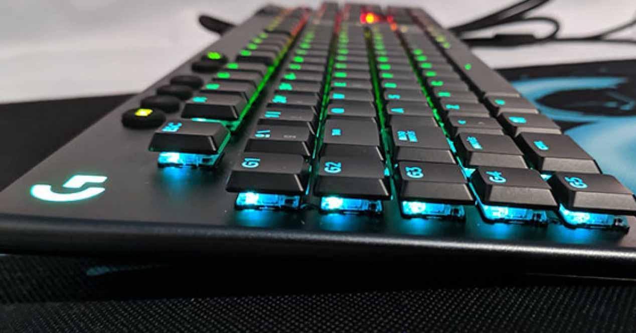 Teclado gaming Logitech G815