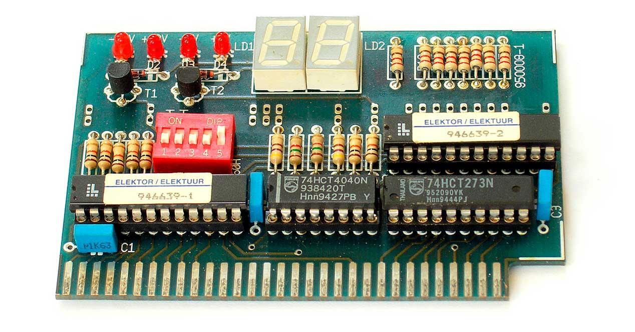 1280px-BIOS_POST_card