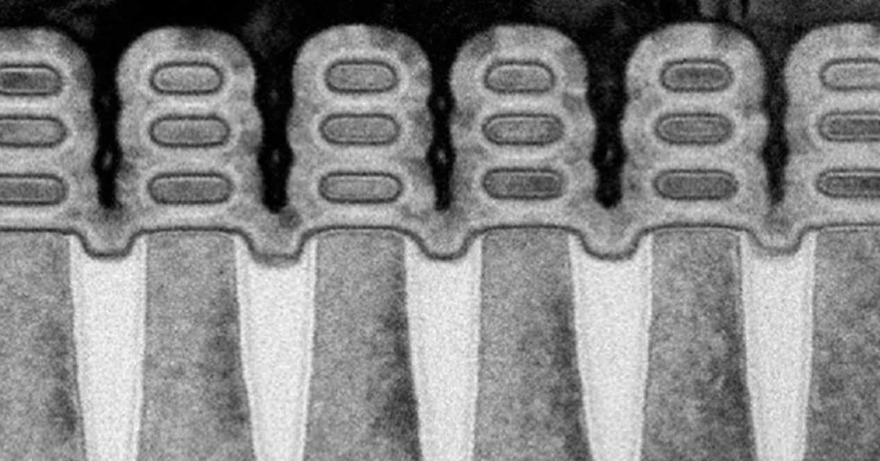 Transistores apilados en nanoplacas