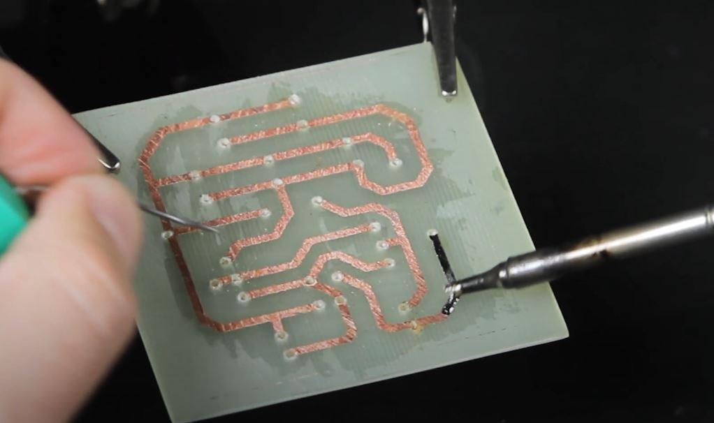 怎么自己制作pcb线路板?