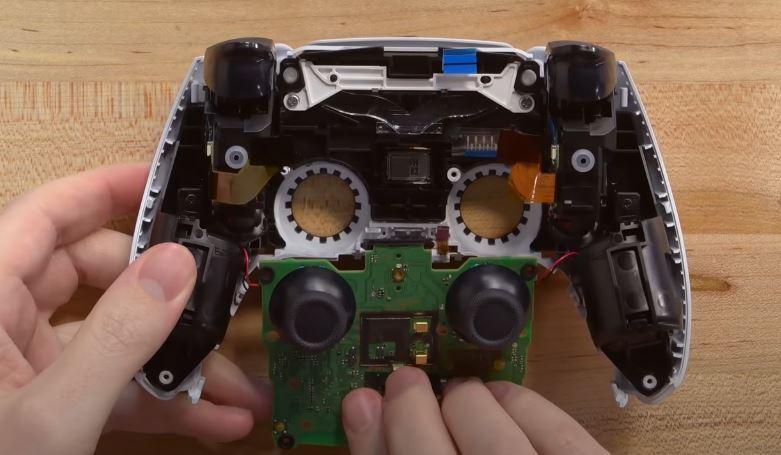 Desmontar PCB mando PS5