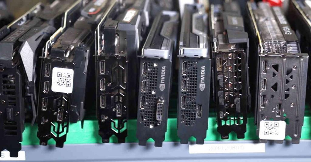 Varias GPU NVIDIA AMD